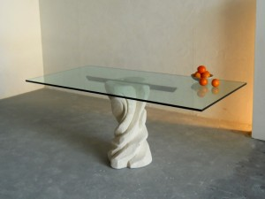 tavolo da pranzo in cristallo e pietra