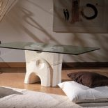 tavolino da salotto moderno in cristallo e pietra