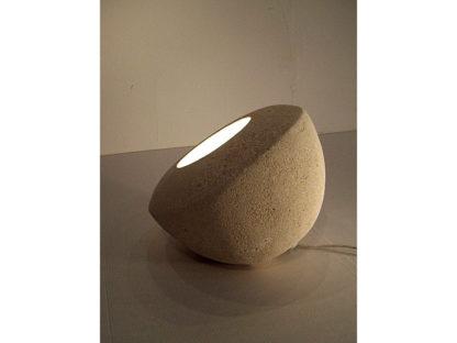 lampada da tavolo moderna design pietra