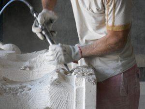 produzione di tavoli in pietra