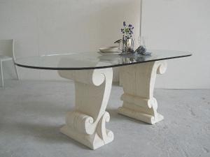 tavolo classico soggiorno con piano in vetro