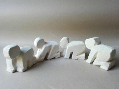 scultura moderna su pietra